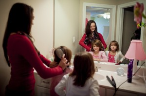 mother-daughters-hair-920785-gallery