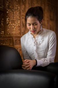 woman-praying-1077327-gallery
