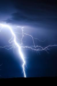 lightning-768800_640