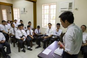 philippines-church-meetings-attendance-classes-prayer-1354964-gallery