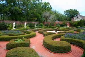knot-garden-58452_640
