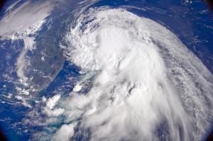 tropical-storm-916481_640