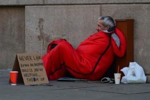 homeless-man-833017_640