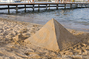 pyramid-shaped-sand-castle-3415540