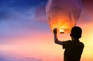 higher balloon lantern