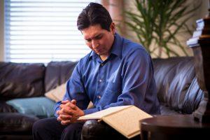 man praying mormon
