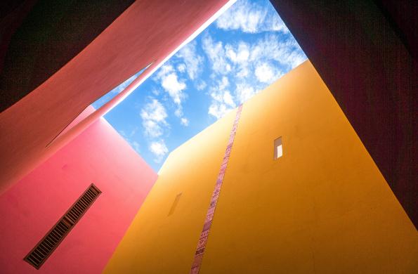 walls sky